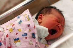 Het pasgeboren schreeuwen Stock Foto's