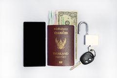 Het Paspoort van Smartphone &thailand om te reizen Stock Foto's