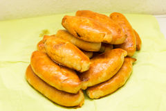 Het pasteitjevoedsel van de Pirogipastei smakelijke het eten traditionele keuken Stock Afbeeldingen