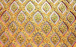 Het patroon van de bloem in de traditionele Thaise pa van het stijlmozaïek Royalty-vrije Stock Foto's