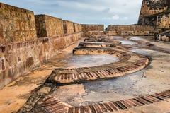 Het patroon van de boogvloer binnen Castillo San Felipe del Morro Stock Foto