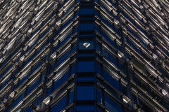 Het patroon van glasvensters bij nacht Royalty-vrije Stock Fotografie