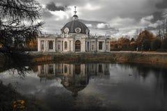 Het paviljoen van de grot in Kuskovo Stock Afbeeldingen