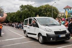 Het personeel leidt menigte op President Obama route in Havana, Cuba 2016 royalty-vrije stock foto's