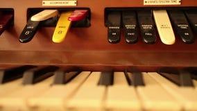 60 het piano-ORGAAN van de fps langzame motie SLEUTELS (Dolly Move) - stock footage