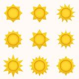 Het pictogramreeks van de zon De elementen van de de zomerhemel De inzameling van zonsilhouetten Geïsoleerd zonsymbool De leuke p stock illustratie
