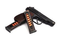 Het pistool en de tijdschriften van het staal Royalty-vrije Stock Foto
