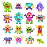 Het pixel monsterlijke karakter van het monster plaatste het vreemde vectorbeeldverhaal van monstruositeit en vervreemdingsillust stock illustratie
