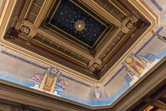 Het plafond Londen van de vrijmetselaarszaal stock foto's