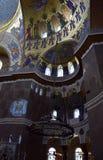 Het plafond van de kerk met de kerk die de Zeekathedraal van Sinterklaas in Kronstadt schilderen stock foto