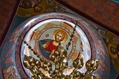 Het plafond van de kerk - schilderijen stock afbeelding