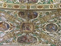 Het plafond van Frescoed stock afbeeldingen