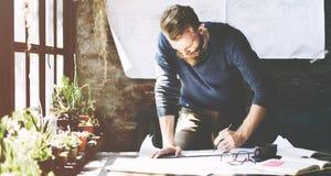 Het Planconcept van zakenmandetermine ideas working royalty-vrije stock afbeeldingen