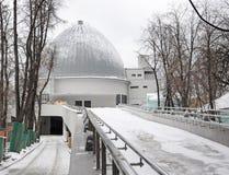 Het planetarium van Moskou in de winter Royalty-vrije Stock Foto's