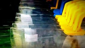 Het plastic veelkleurige gele blauwe pit van de ritssluitingszak royalty-vrije stock fotografie