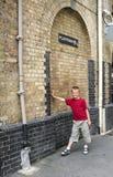 Het platform van Harry Potter in Londen Stock Afbeeldingen