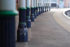 Het platform van het station Stock Foto's