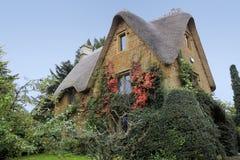 Het plattelandshuisje landelijk Oxfordshire van Cotswalds huis Stock Foto