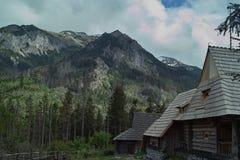 Het plattelandshuisje van de berg Stock Afbeelding