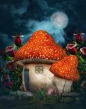 Het plattelandshuisje van de fantasiepaddestoel met maan vector illustratie