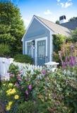 Het plattelandshuisje van de tuin Stock Foto's