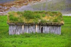 Het plattelandshuisje van het landbouwbedrijf - Noorwegen Stock Afbeeldingen