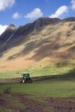 Het ploegende gebied van de tractor royalty-vrije stock foto's