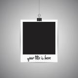 Het polaroid- beeld hangen op de muur Omlijsting op grijs Pla vector illustratie