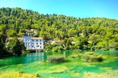 Het populaire nationale park van Krka met rivier in Kroatië Stock Foto's