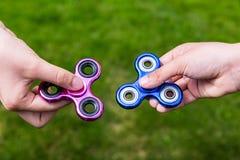 Het populaire speelgoed friemelt spinners royalty-vrije stock afbeeldingen