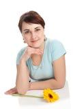 Het portret en de bloem van de vrouw Stock Foto's