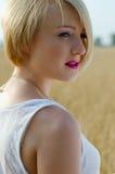Het portret van de blonde vrouw van Preety Royalty-vrije Stock Foto