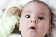 Het portret van de close-up van aanbiddelijke baby Stock Afbeeldingen