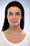 Het portret van de close-up van aantrekkelijke glimlachende vrouw Royalty-vrije Stock Afbeeldingen