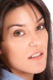 Het portret van de close-up van een brunette Royalty-vrije Stock Foto's