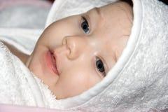 Het portret van de close-up van een mooie baby Stock Afbeeldingen