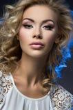 Het portret van de close-up van jong meisje royalty-vrije stock foto