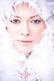 Het portret van de close-up van jonge vrouw met witte B Royalty-vrije Stock Foto's