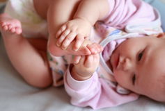 Het portret van de close-up van mooi babymeisje Royalty-vrije Stock Afbeelding