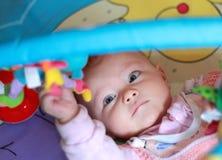 Het portret van de close-up van mooi meisje Stock Foto