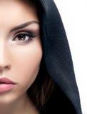 Het portret van de close-upschoonheid van donkerbruine vrouw Stock Foto