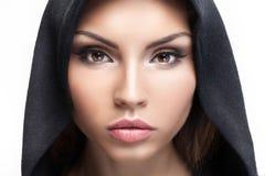 Het portret van de close-upschoonheid van donkerbruine vrouw Royalty-vrije Stock Foto
