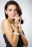 Het portret van de manier van een vrouw in een toevallige kleding Royalty-vrije Stock Afbeeldingen
