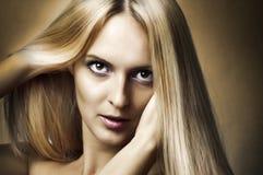 Het portret van de manier van vrouw. Het haar van de gezondheid Stock Afbeelding