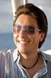 Het portret van de mens met zonnebril Stock Foto