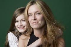 Het portret van de moeder en van de dochter Royalty-vrije Stock Foto