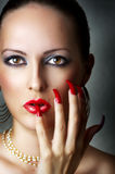 Het portret van de schoonheid van jong sexy vrouwelijk model Stock Foto