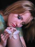 Het portret van de vrouw met vlinder Royalty-vrije Stock Afbeeldingen