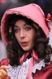 Het portret van de vrouw in midden oude kleren royalty-vrije stock afbeeldingen