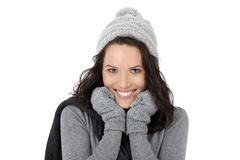 Het portret van de winter van gelukkige vrouw Stock Foto's